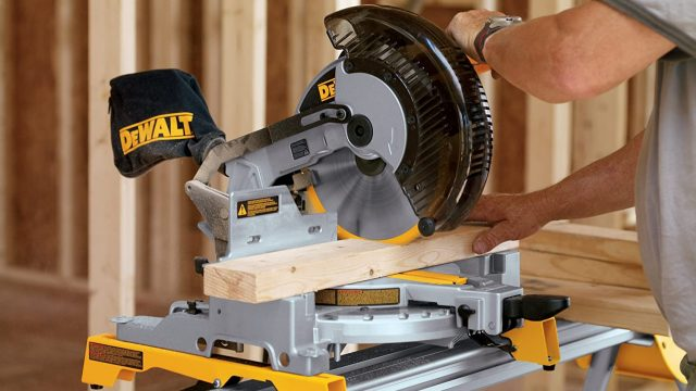 Dewalt DW713 compound miter saw